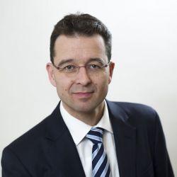 Dr. Michael AXMANN